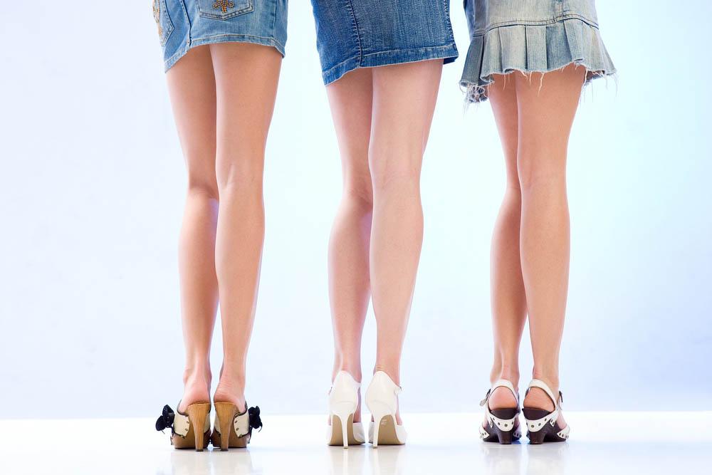 У мамы под юбкой красивые ноги